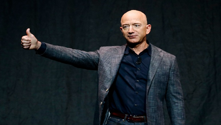 Jeff Bezos offers $2 billion to get back in the race to the Moon