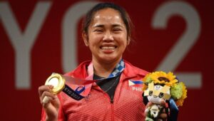 Hidilyn Diaz wins Philippines first gold medal