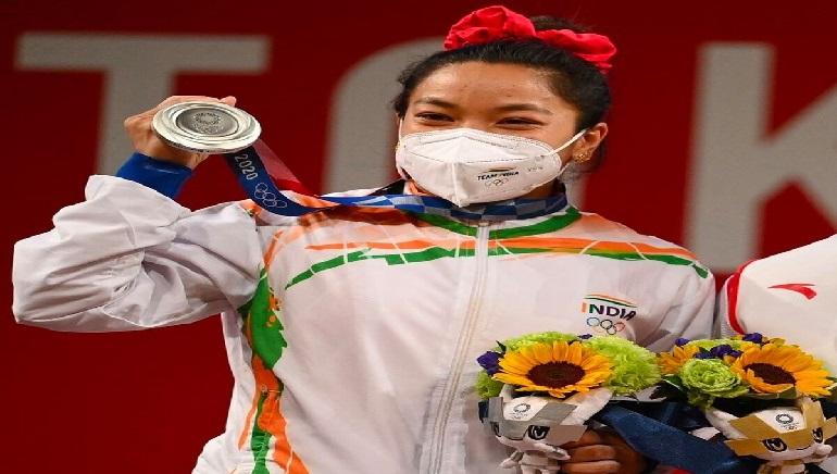 India's Mirabai lifts Silver in Tokyo Olympics