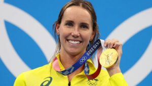 Emma Mckeon becomes the first female swimmer to win seven medals in Olympics