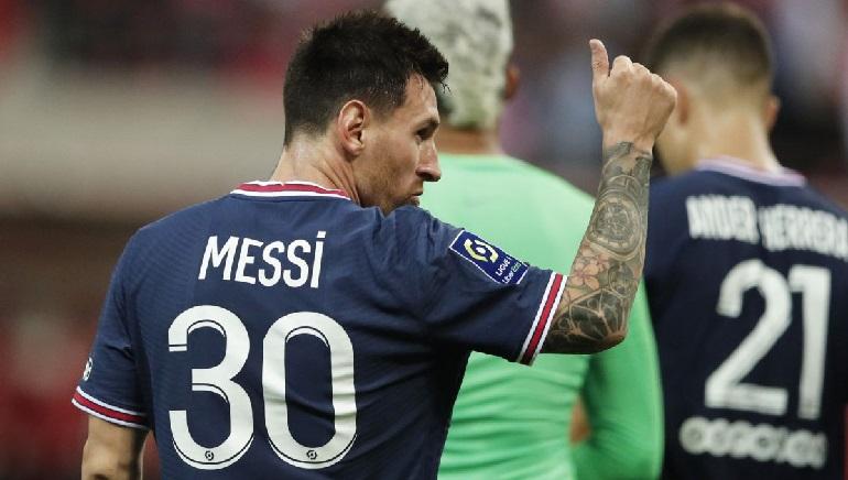 Messi Makes PSG Debut in 2-0 Win