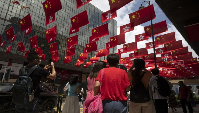 People Fleeing Hong Kong to get Benefits by Taiwan in Residency Rules